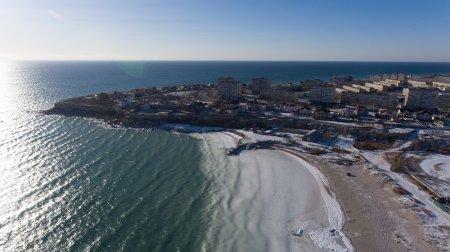 Каспий покрылся льдом