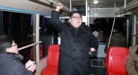 Ким Чен Ына заметили в троллейбусе