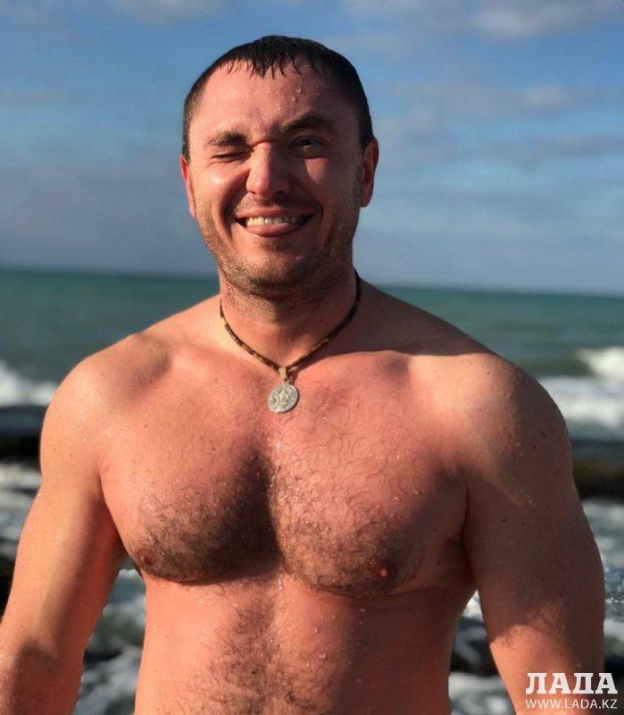 «Заряд энергии и отличное настроение на весь день»: Актауские «моржи» рассказали о своем увлечении