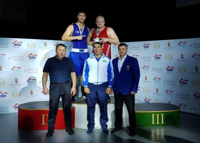 Санатали Тольтаев из Актау завоевал золотую медаль на международном турнире по боксу в Венгрии