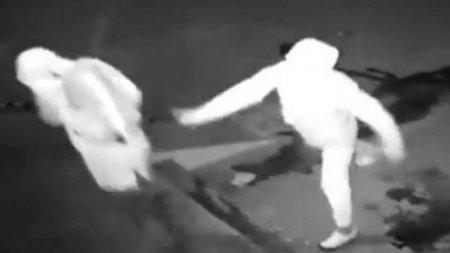 Полиция Китая опубликовала видео самого глупого ограбления в истории