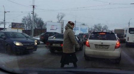 """Мама все исправит: россиянка покорила Сеть, обеспечив сыну """"зеленую улицу"""""""