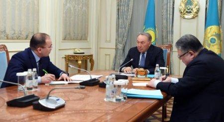 Назарбаев: Парламент и правительство должны работать только на государственном языке