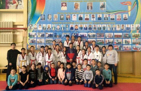 Шесть медалей завоевали таеквондисты из Жанаозена на республиканских соревнованиях в Алматы