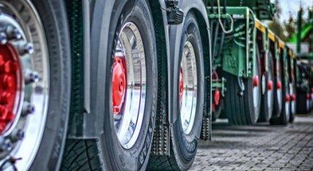 С 1 марта на дорогах Казахстана вводят ограничения для грузовиков
