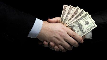 В Казахстане выросло число предпринимателей, считающих, что коррупция им помогает