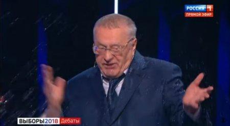 Собчак облила водой Жириновского во время дебатов