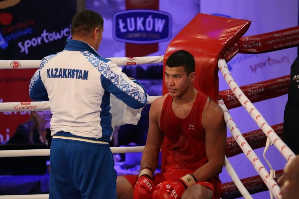 Адильбек Ниязымбетов вышел в финал международного турнира по боксу