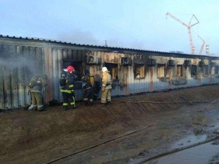 Пожар в общежитии на Карабатане: скончался еще один рабочий