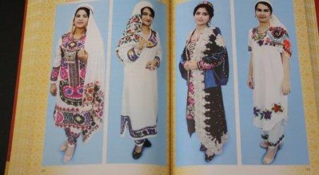 Власти Таджикистана выпустили пособие о том, как нужно одеваться женщинам