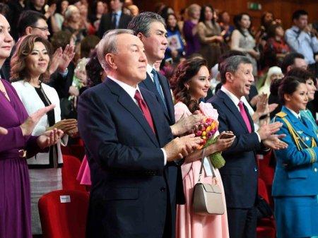 Народ всегда ждал этот праздник – Назарбаев поздравил казахстанцев с Наурызом