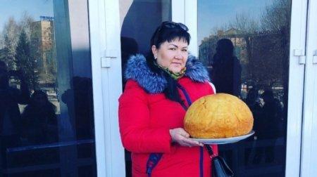 Баурсак весом в шесть килограммов приготовила жительница ВКО