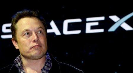 Илон Маск удалил страницы SpaceX и Tesla в Facebook