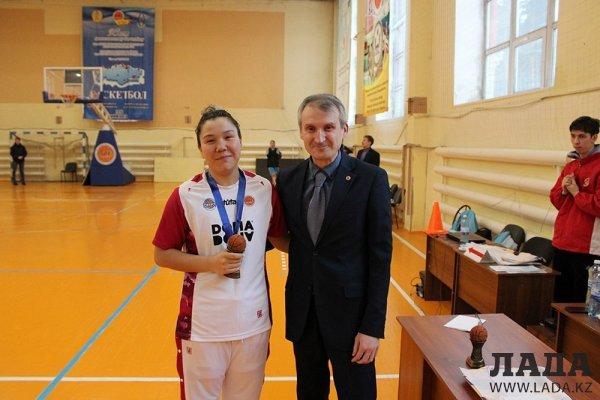 Женская команда «Каспий» стала серебряным призером чемпионата Казахстана