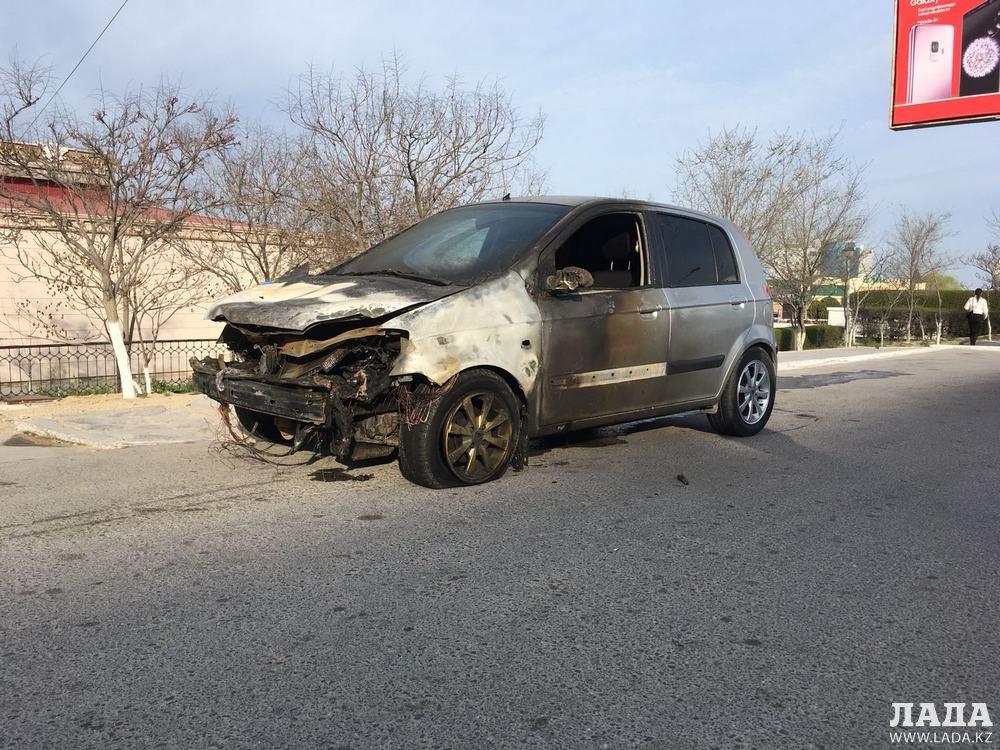 В Актау ночью сгорел автомобиль