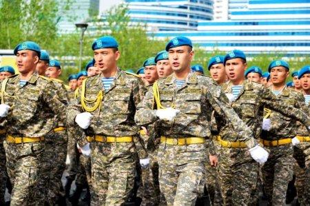 Казахстанская армия слабее ангольской и тайваньской. Не хватает людей и флота