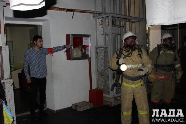 Учебная тревога: Из КДК имени Абая в Актау эвакуировали 200 человек