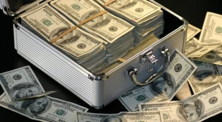 Генпрокуратура РК и ФБР вернули похищенные 2,7 миллиона долларов