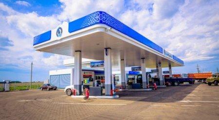 Цена на бензин снизилась в Казахстане