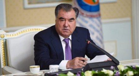Вертолет с президентом Таджикистана потерялся в горах