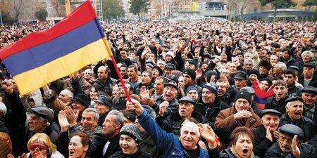 «Бархатный майдан»: ЦРУ готовит из Армении новую Украину
