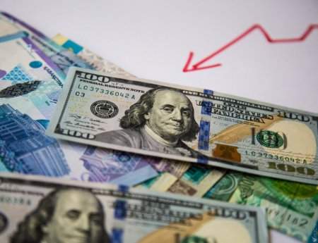 Тенге укрепился до 325,9 за доллар