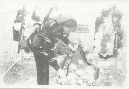 Жительница Актау обнаружила свежую могилу на месте захоронения отчима