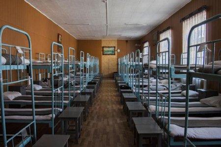 В Казахстане предлагают заселять банковских должников в казармы