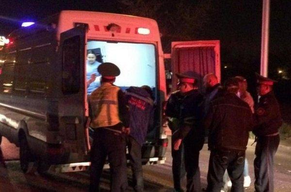 В Актау автомобиль сбил инвалида-колясочника
