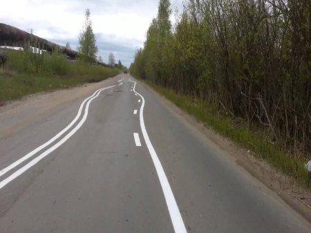 Странная дорожная разметка повеселила водителей в ВКО