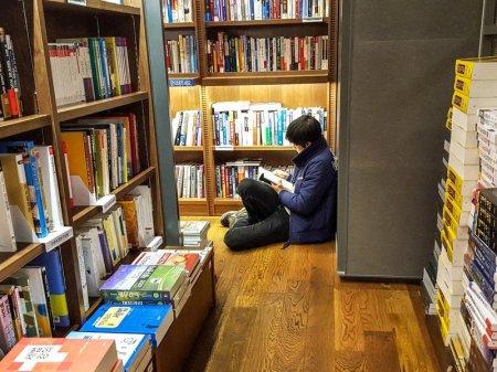 Учебники и газеты подорожали в Казахстане