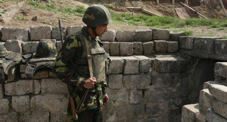 Азербайджан продолжает стягивать военную технику к Карабаху