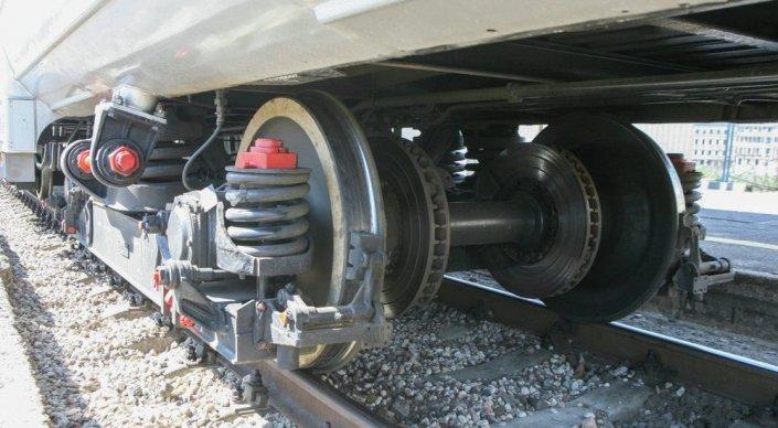 Поезд ударил 5-летнюю девочку близ Тараза