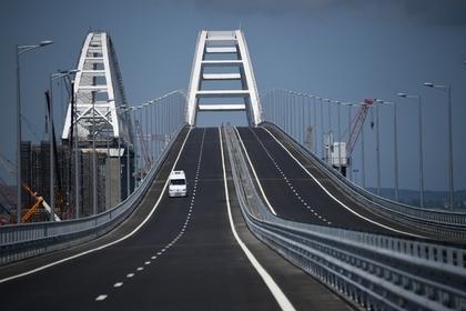 Путин сказал «поехали» и поехал на «КамАЗе» по Крымскому мосту