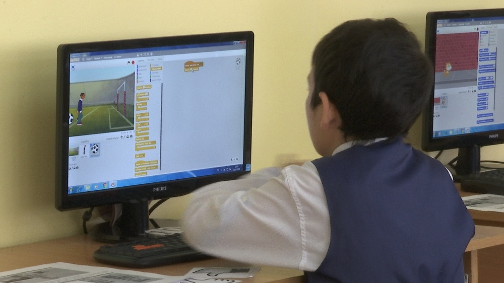 Школьников Мангистау планируют обучать программированию