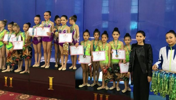 Гимнастки из Жанаозена завоевали шесть золотых медалей на республиканском турнире в Атырау