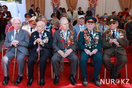 В каждой семье остается кровавый след: Назарбаев поздравил с Днем Победы