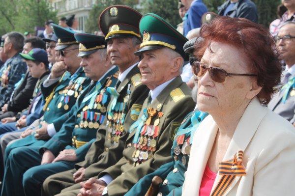 Участниками акции «Бессмертный полк» в Актау стали порядка 6000 человек