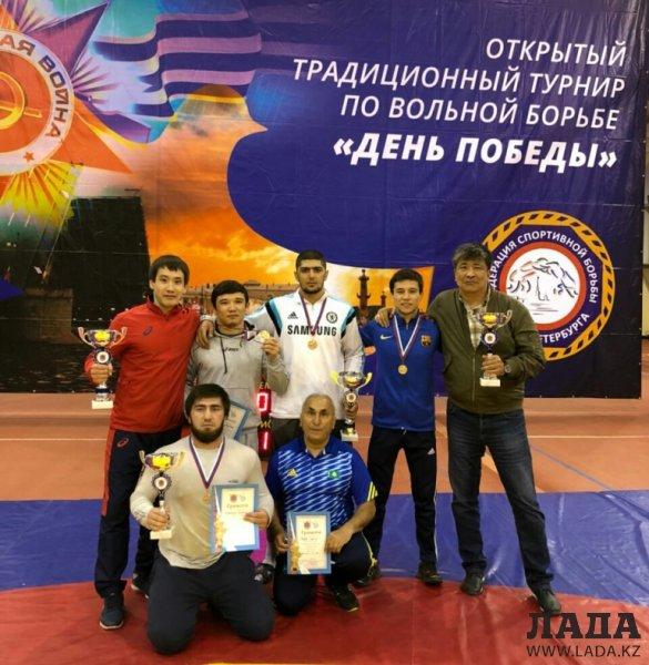 Спортсмены из Актау завоевали четыре медали на турнире по вольной борьбе в Санкт-Петербурге
