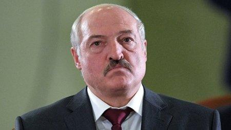 Лукашенко запретил ветеранам умирать раньше него