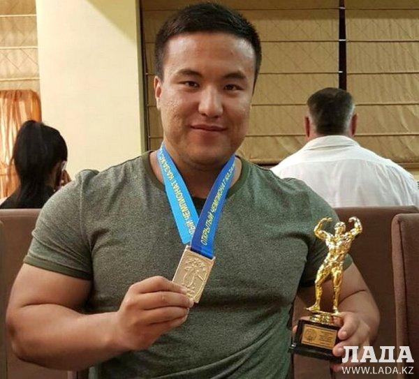 Актауский бодибилдер стал чемпионом Казахстана и Средней Азии