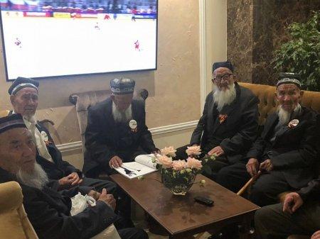 Узбекские ветераны по ошибке попали в Сочи после парада в Москве