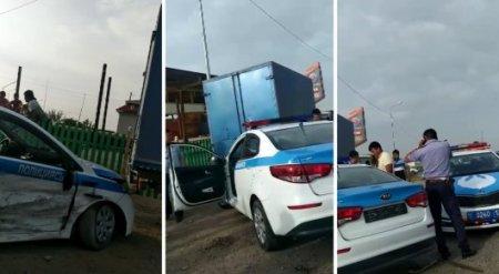 Несовершеннолетний водитель врезался в полицейское авто в ЮКО