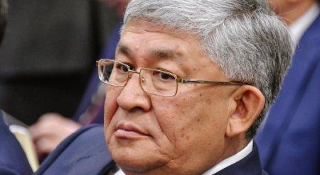 Назарбаев продлил полномочия Кушербаева