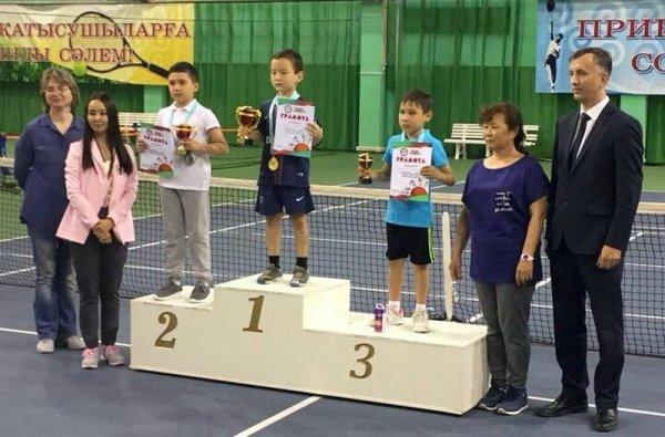 Теннисист из Актау завоевал «бронзу» республиканского турнира «Красный мяч»