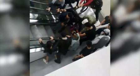Ребенка затянуло в эскалатор: в акимате Астаны прокомментировали видео