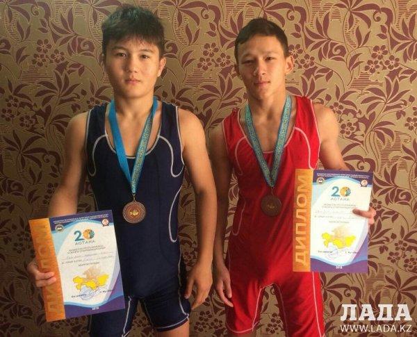 Двое борцов из Актау завоевали «бронзу» на республиканской спартакиаде среди школьников и студентов