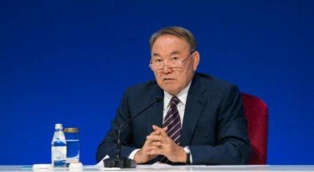 """Назарбаев обратился к журналистам: """"Серьезным вызовом становится кризис доверия"""""""