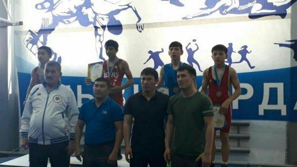 Спортсмены из Мангистау завоевали две «бронзы» на республиканской спартакиаде по вольной борьбе