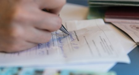 """Список необходимых для """"прописки"""" документов сократили в Казахстане"""